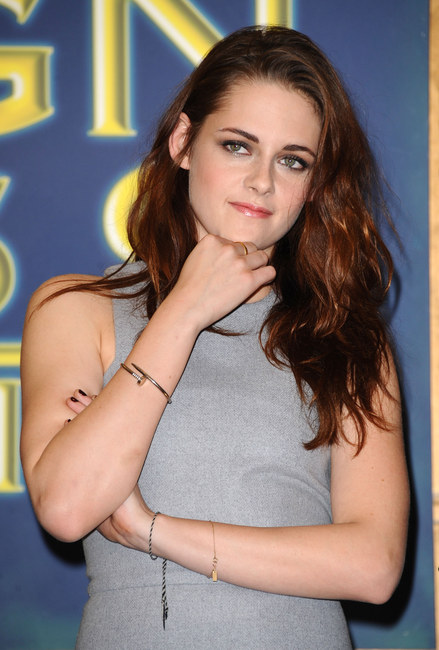 kristen-stewart-and-bec-and-bridge-gallery